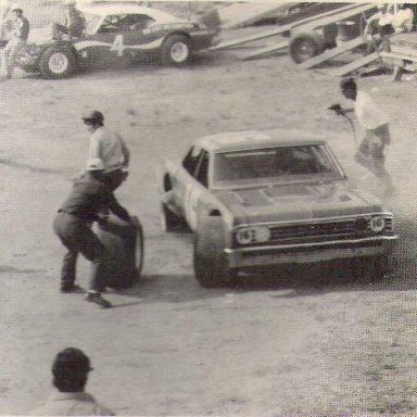 Farmer John pit crew '75