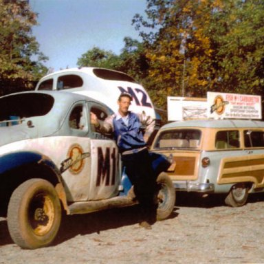 Ray Fox with the M1 fishcarb  driven by Fireball Roberts2 medium
