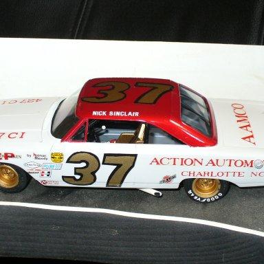 car #37 007