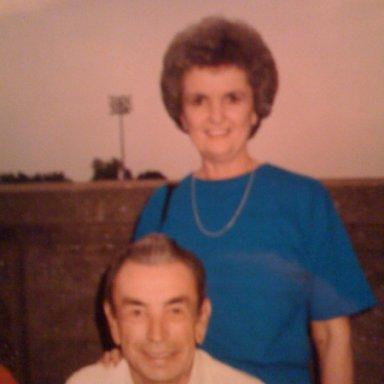 Pee Wee & Shirley at bg