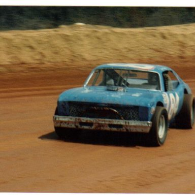 DIRT TRACKING AT ACE 1985