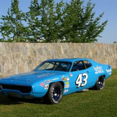 '71 Petty Plymouh Front