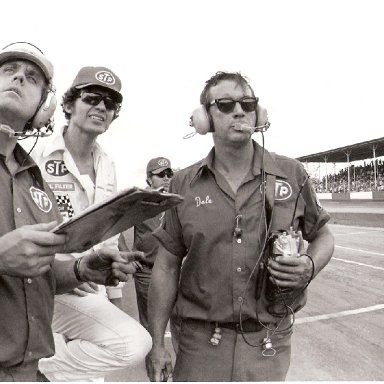 1978 Southern 500 - Richard Petty, Maurice Petty, Dale Inman Watch as Dave Marcis Relief Drives for Petty
