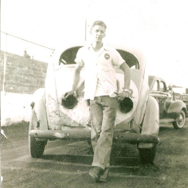 Ralph Harpe at Martinsville with number 48jr. 1954