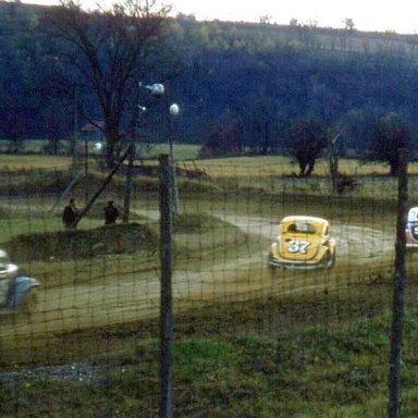 Jeep Herbert  37 Chasing Chuck Mahoney S33 Stateline 1957