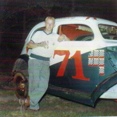 #71 Sportsman Bobby Holmberg