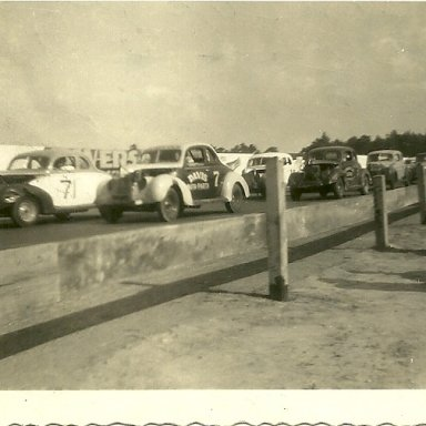 Hugh T. Lanford #71 at Columbia speedway, 1948
