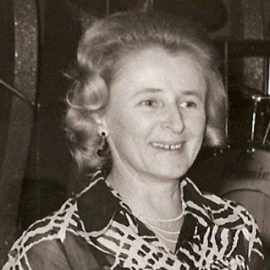 Mavis Eaton 1927-2009