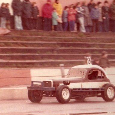 My uncle Andy running his Superstox at Ipswich.