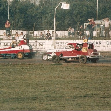 V8's on the back straight at Wisbech 80's