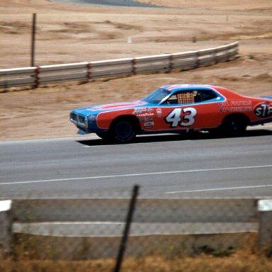 1975 43 AT RIVERSIDE
