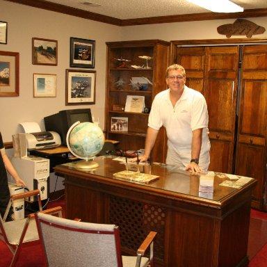 Bobby's office