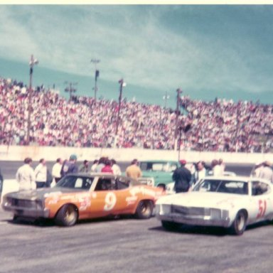 After drivers meeting at Hickory April 1974