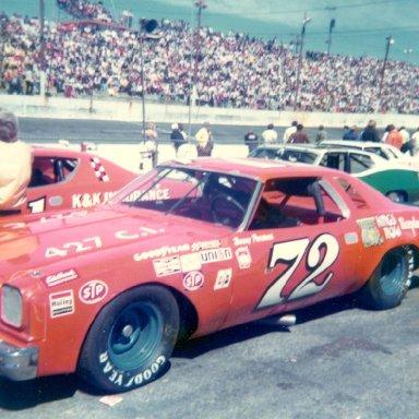Benny Parsons 72 beside K& K Insurance Dodge 71 Hickory April 1974