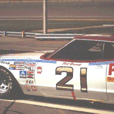 #21 Neil Bonnett 1980 Champion Spark Plug 400..