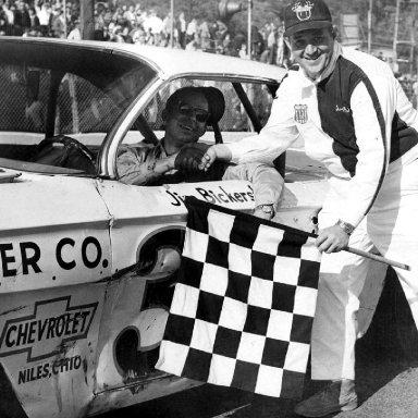 #33 Jim Bickerstaff at Heidelberg (PA) Raceway 1967