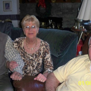 Bobby & Linda Loggains with Sam