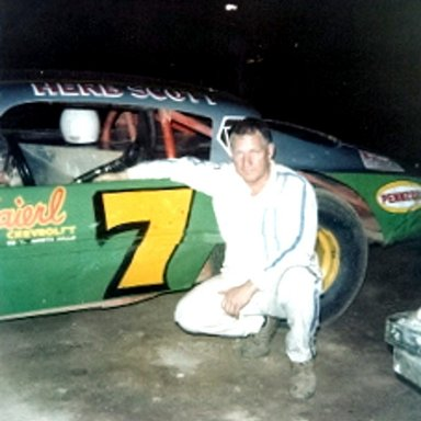#7 Herb Scott @ North Hills (PA) Raceway 1978