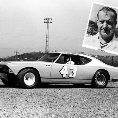 #43 Bob James at Heidelberg (PA) Raceway March1971