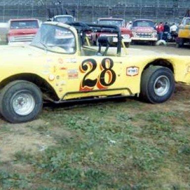 #28 Bob Wearing Sr. at Heidelberg (PA) Raceway 1966 Pgher