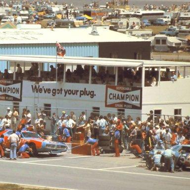 1976 pit