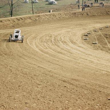 Joe Wells at Hilltop Racebowl in Ky.