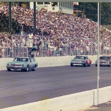 Zervakis 01 leading at Martinsville