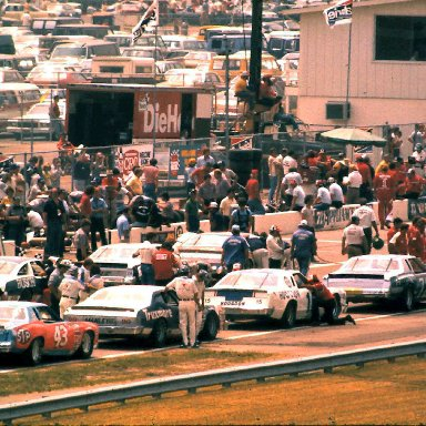 #21 Neil Bonnett #1 Donnie Allison 1979 Gabriel 400 @ Michigan