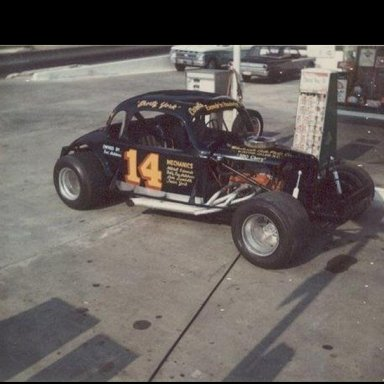 Shorty York in Bud Hutchens 14 Modified