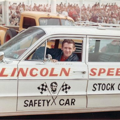 Lincoln Speedway Pace Car
