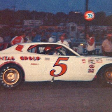 Bonnett - Dodge 77