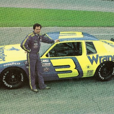 ANOTHER EARNHARDT PHOTO-NO MUSTACHE