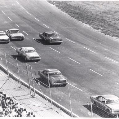 Bobby Allison on his way to his first win for Holman-Moody