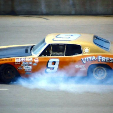 #9 Tony Bettenhausen 1974 Yankee 400 @ Michigan