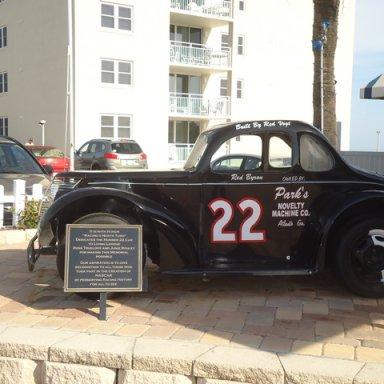 car 22