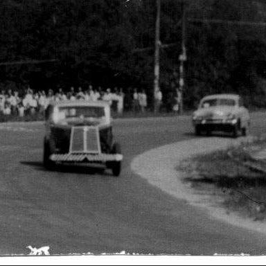 Jaguar MkV x Ford - 1950's