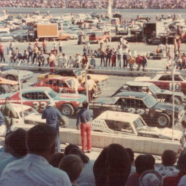 Cars Lineup for Cardinal 500 Martinsville '74