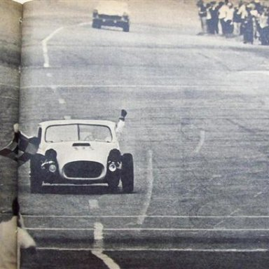 1966 Mil Milhas Brasileiras - Celidonio driving, Christofaro on foreground