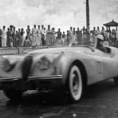 Lulu Geladeira - Bahia 1950 Jaguar XK120