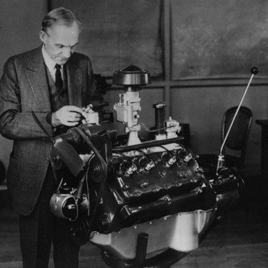 Henry Ford-first Flat Head Engine-1932