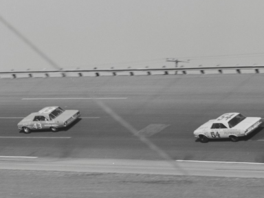 Daytona 1964 Petty and Pardue