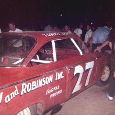 Burton & Robinson 1962 Chevy #27 driven by Tommy Irwin