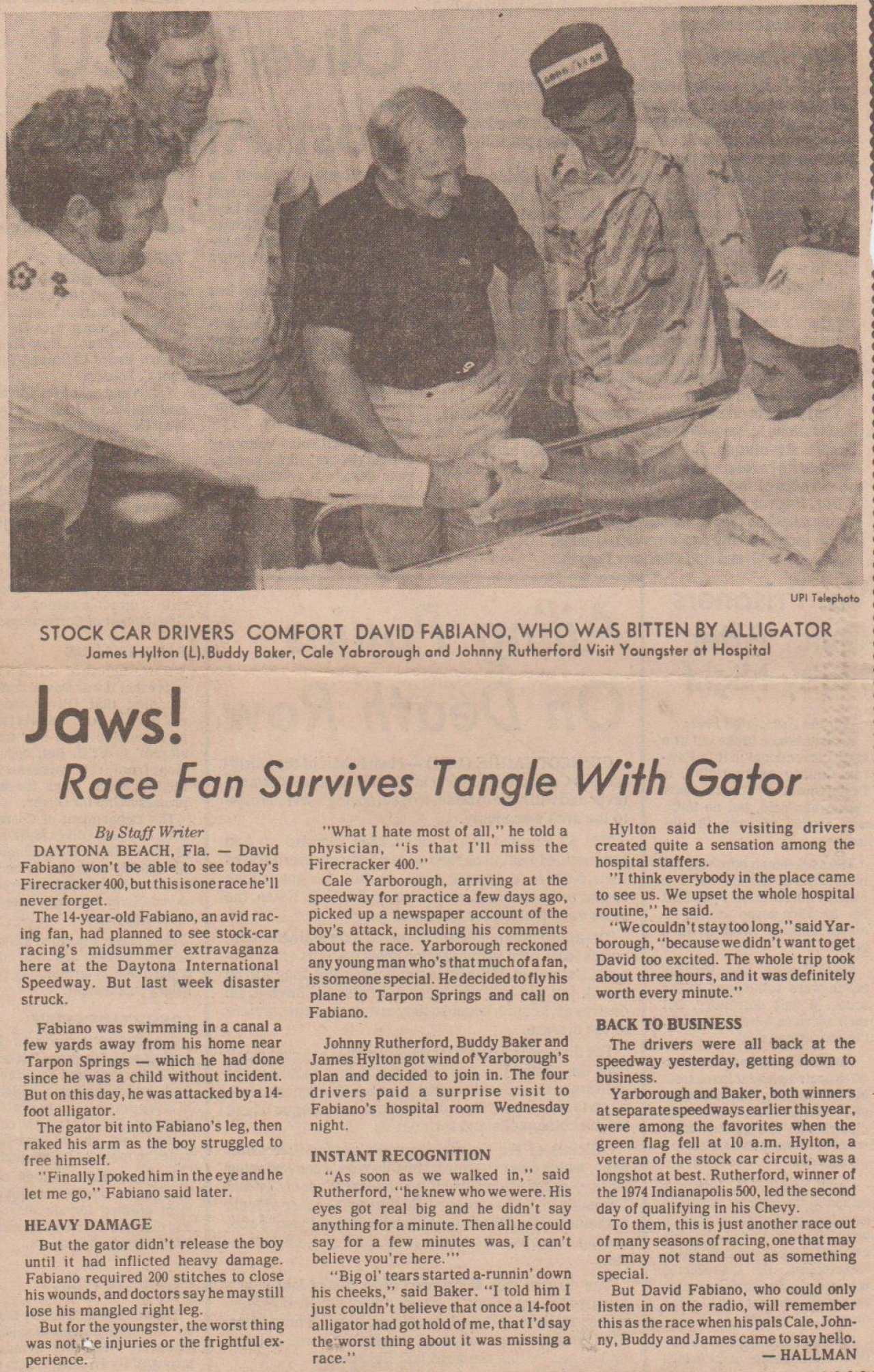 JAWS RACE FAN SURVIVES TANGLE WITH GATOR 000 - Gallery