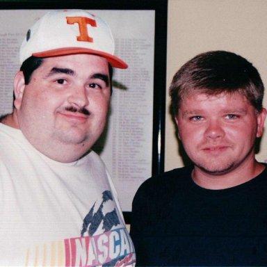 Tracy & Bobby Hamilton Jr. Bristol 8-00c
