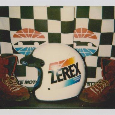 #7 ALAN  KULWICKI ZEREX RACE HELMET, RACE SHOES 04 003