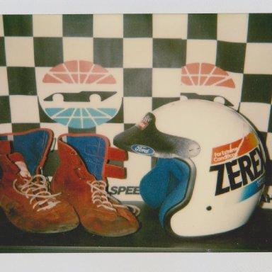 #7 ALAN  KULWICKI ZEREX RACE HELMET, RACE SHOES 04 004