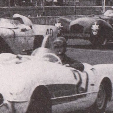1950'S CORVETTES AND T-BIRDS RACING AT MARTINSVILLE SPEEDWAY 500 - 06