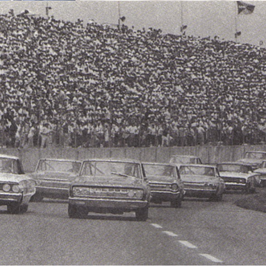 1964 World 600 Start. Front row: Jimmy Pardue (pole), and Fred Lorenzen