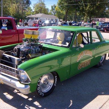 John Deere makes race cars?