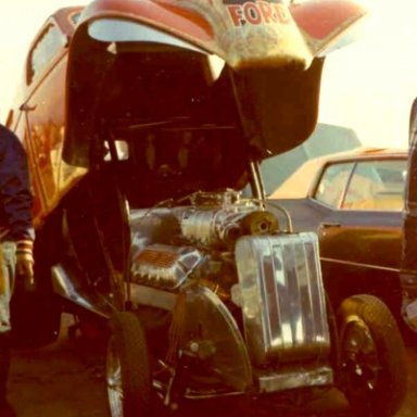 Kohler's Ford Cammer Thames- Pomona 1967- Hutch